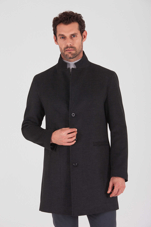 HTML - Antrachite Overcoat