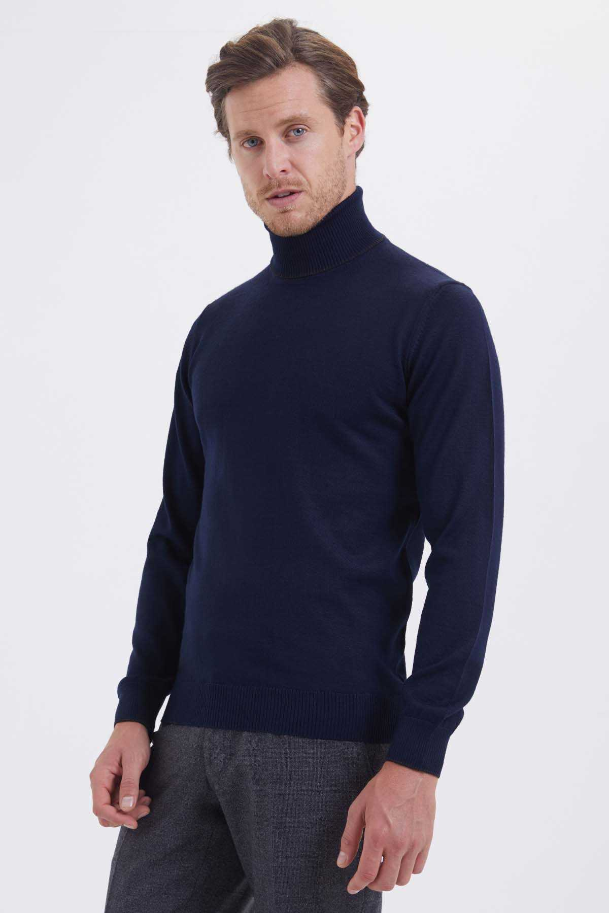 HATEM SAYKI - Navy Sweater